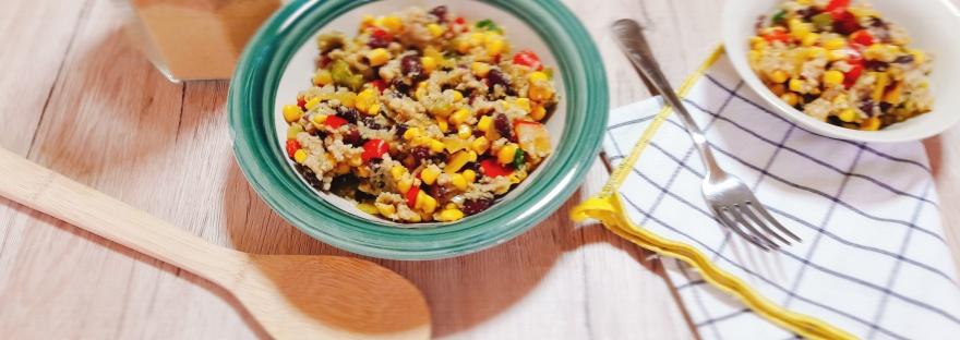 Kuskus salata s grahom, kukuruzom, mladim lukom i paprikom
