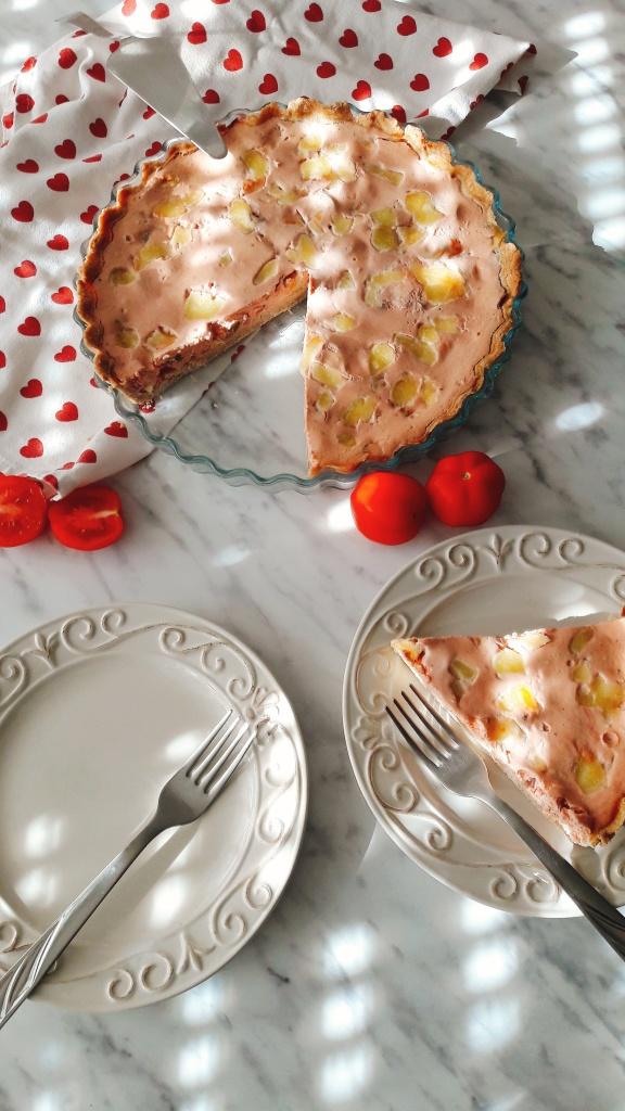 Quiche s maslinama, rajčicom i mozarellom