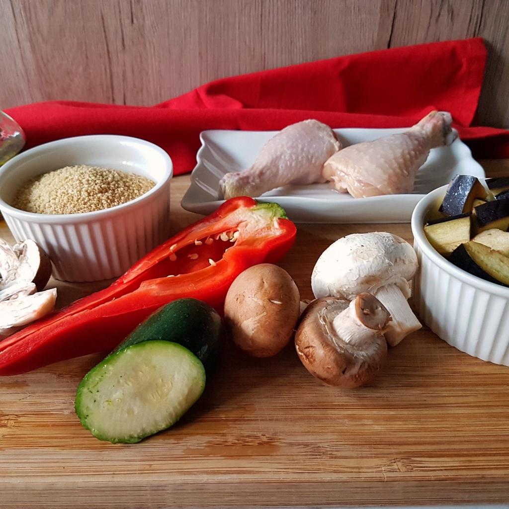 Zapečeni kus kus s povrćem i pilećim batacima
