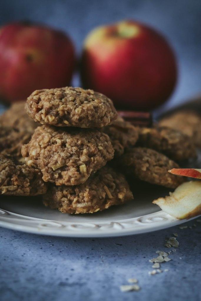 Zobeni keksi s jabukama i cimetom