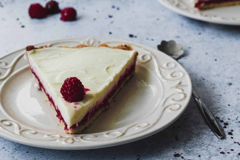 Tart od malina i bijele čokolade